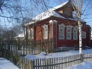 Дом бревенчатый с зем. участком.